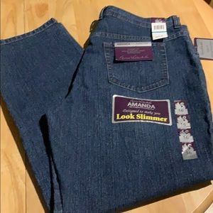 Gloria Vanderbilt size 16 short Amanda jeans
